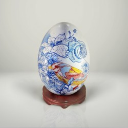 Porcelain eggs